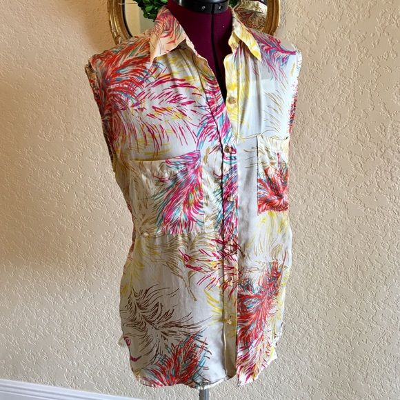 94780c20070392 CAbi Tops - CABI Silk Feather Tunic Top Blouse - Sz M
